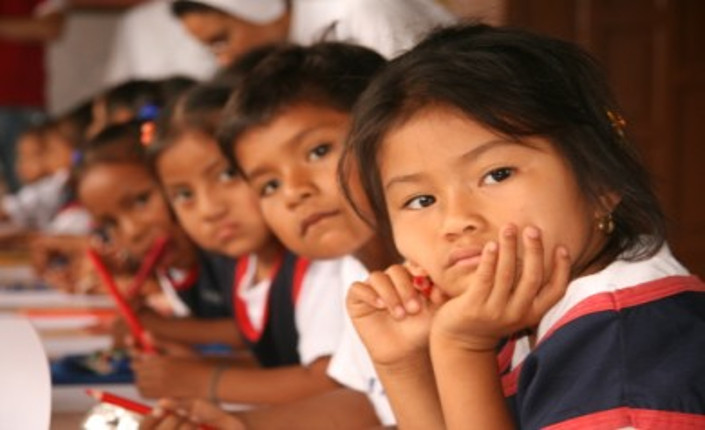 Bambini di origine ecuadoriana in un asilo italiano.
