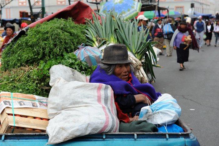 Il mercato indigeno di Otavalo, Ecuador.