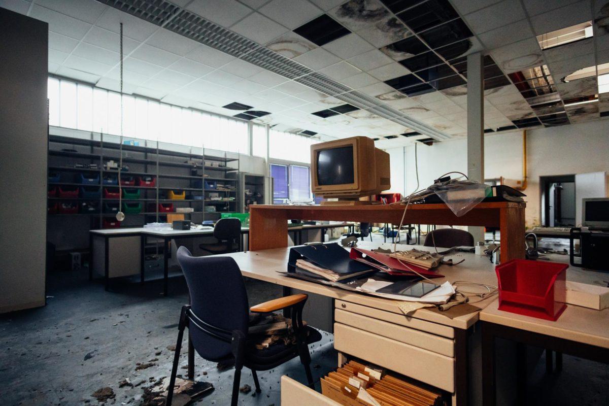 ufficio-abbandonato